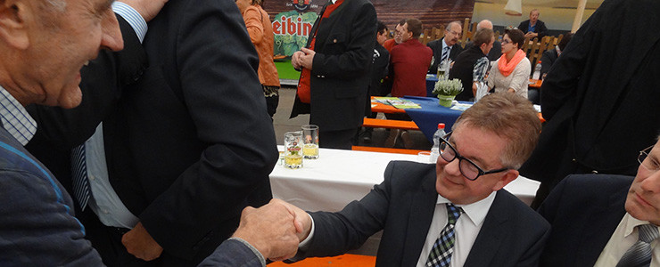 Guido Wolf bedankt sich bei Josef Nusser