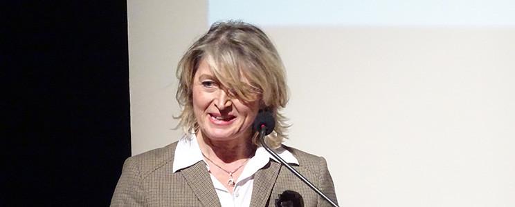 Diana E. Raedler bei der Preisverleihung des Zivilcourgepreises 2014